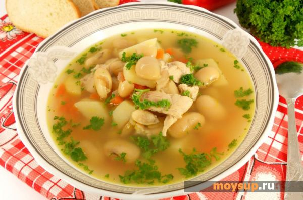 Dietary chicken soup with beans
